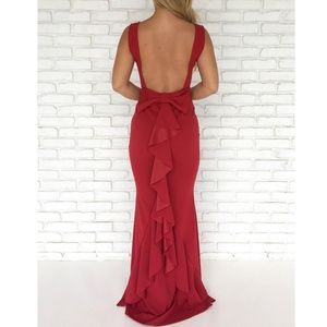 ✨💋Backless Bow maxi dress 🤩✨